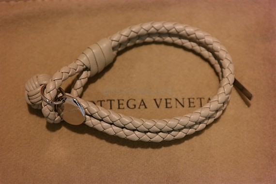skin intrecciato blue bottega leather veneta lamb bracelet shopping lu