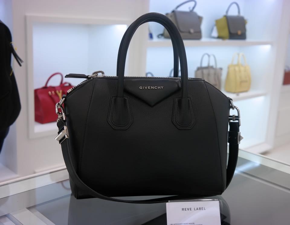 Givenchy-Antigona-Small-Black-Goat-Leather-1.jpg 7c7b0bb2011c6