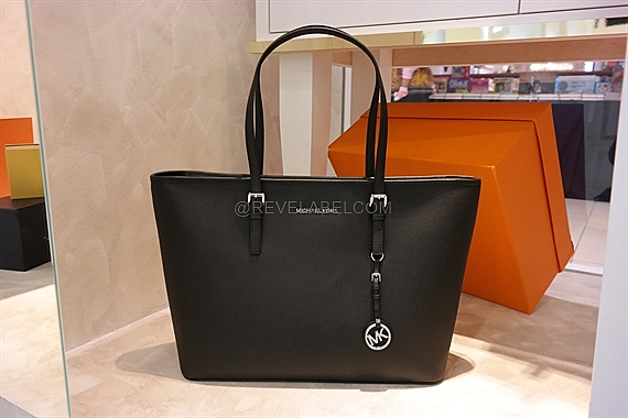 f60948baf6ad Michael Kors Jet Set Travel Medium Saffiano Leather Top-Zip Tote ...