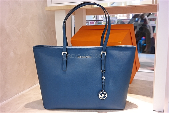 c4fc785500cbf Michael Kors Jet Set Travel Saffiano Leather Top-Zip Tote Steel Blue  30T5STVT2L-926 - REVE LABEL