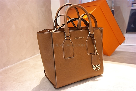 b87ea2656604 Michael Kors Selby Medium Satchel Luggage 30H5GEYS6L-230 - REVE LABEL