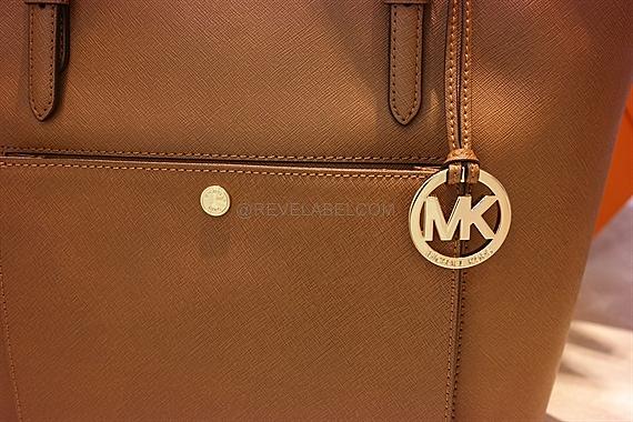 f22f96d2f3af Michael Kors Jet Set Item Large Top Zip Snap Pocket Tote Luggage ...