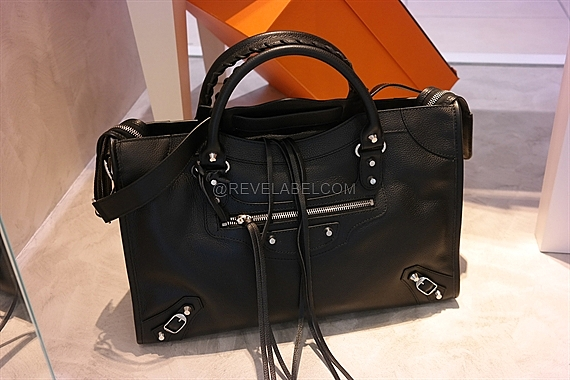 8dd931fb39f4 Balenciaga Classic City Black Grained Calf Leather Silver Hardware ...